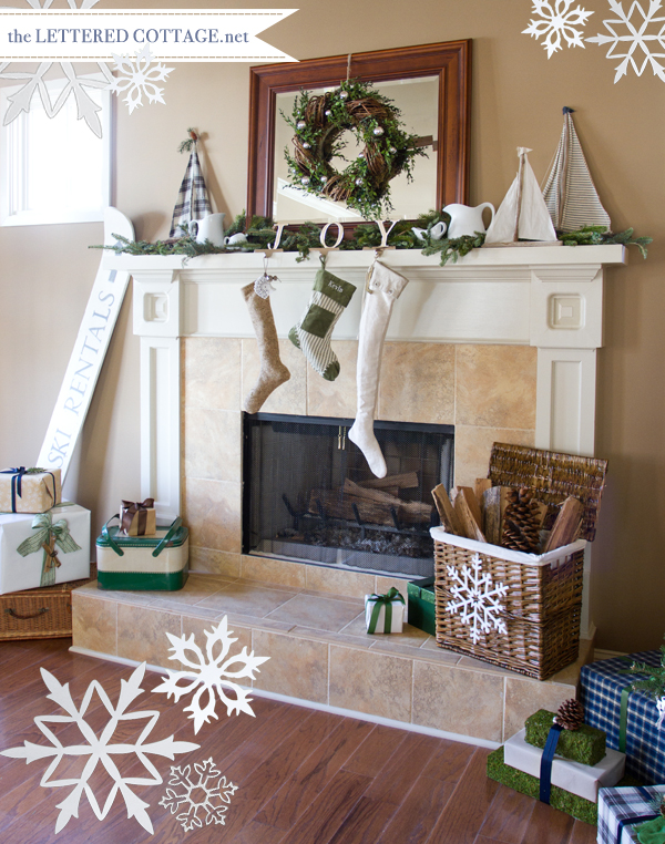 Furniture , 12 Christmas Mantel Decorating Ideas Pictures : Party Christmas Mantel Decorating Ideas