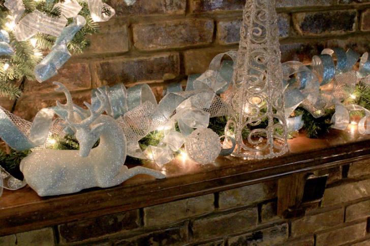 Furniture , 12 Christmas Mantel Decorating Ideas Pictures : blue-white-mantel-decor