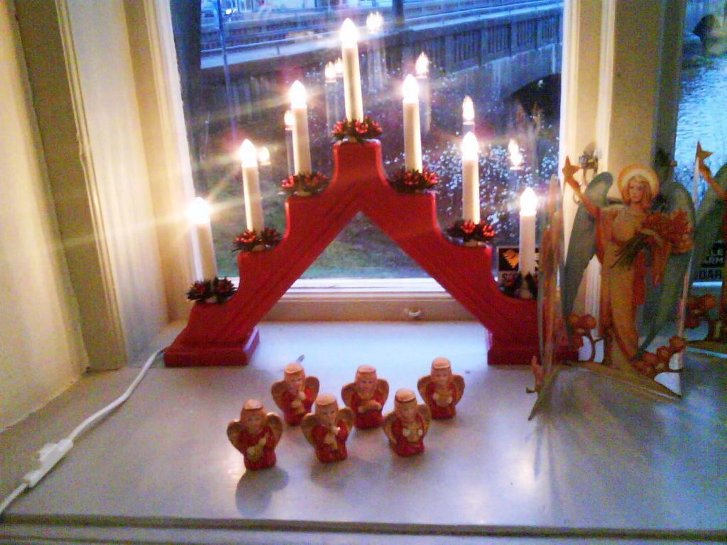 Traditional Swedish Christmas Decorations With : 8 Swedish ...