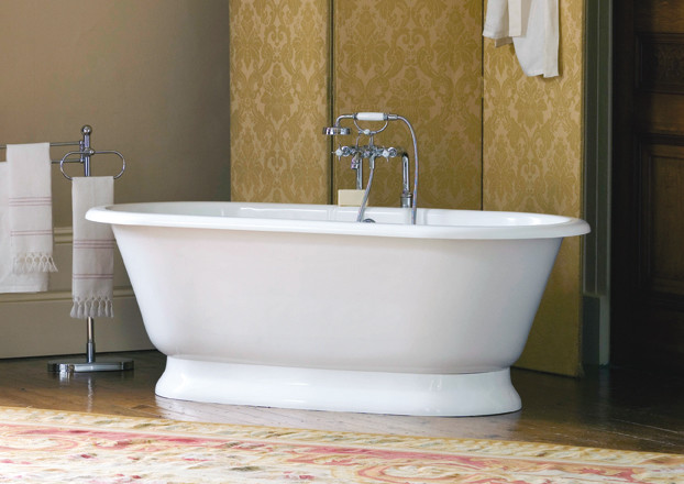 Bathroom , 17 Awesome Victoria And Albert Tubs Idea : White Traditional Bathtubs