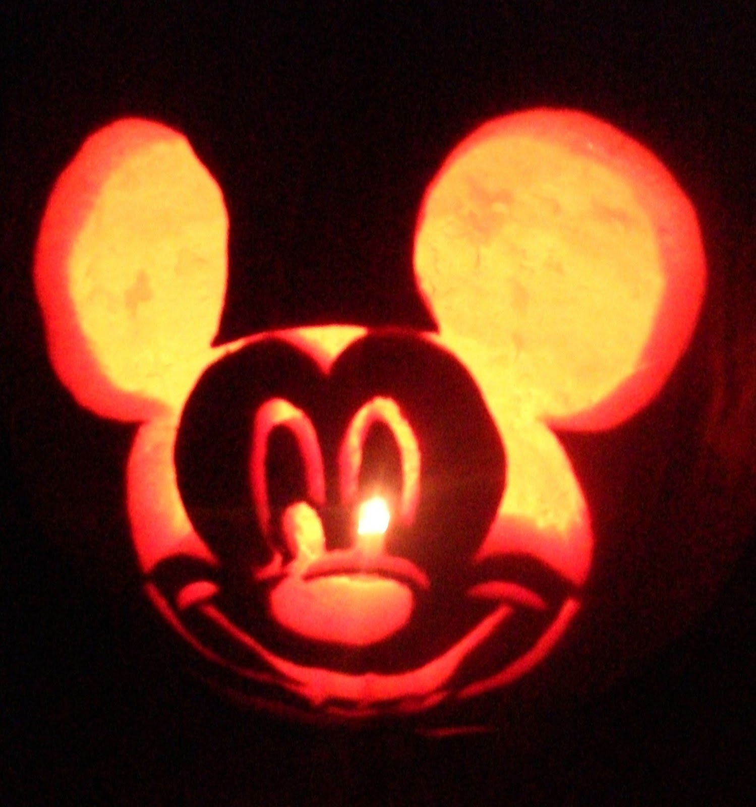 Cute mickey pumpkin carving