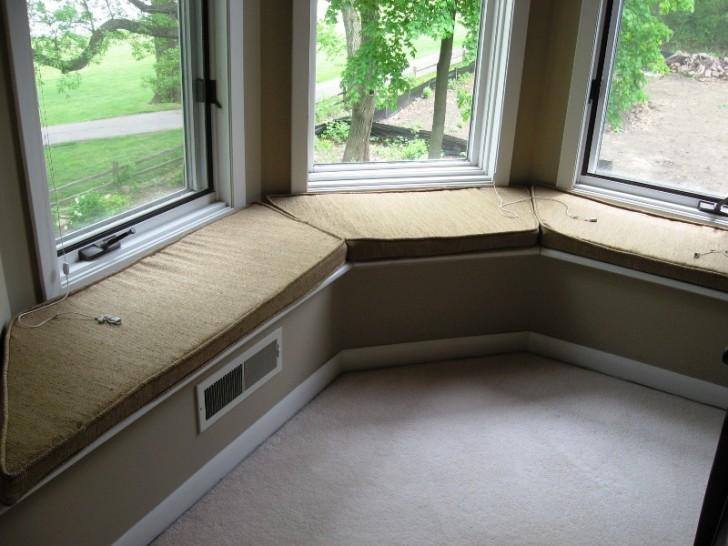 Furniture , 7 Nice Bay Window Seat Cushions To Copy : simple bay window seat cushions