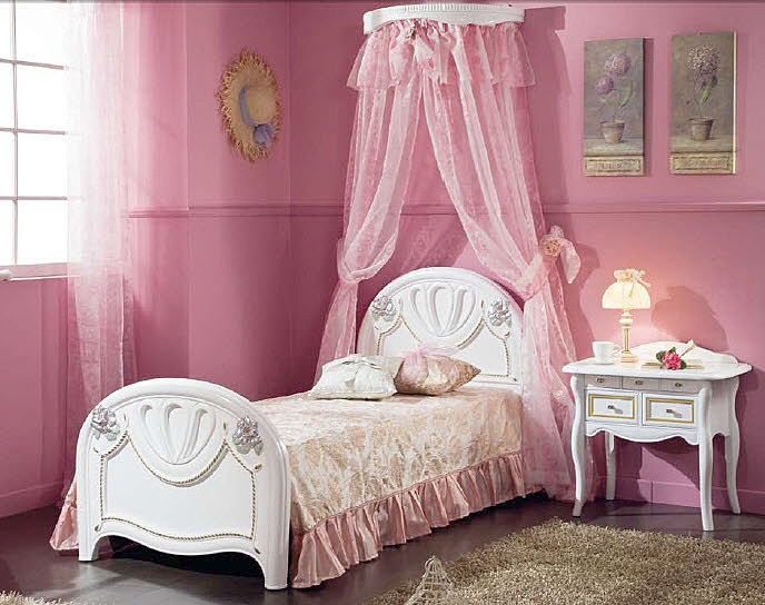 Bedroom , 4 Charming Little Girl Canopy Beds : Girls Bedroom