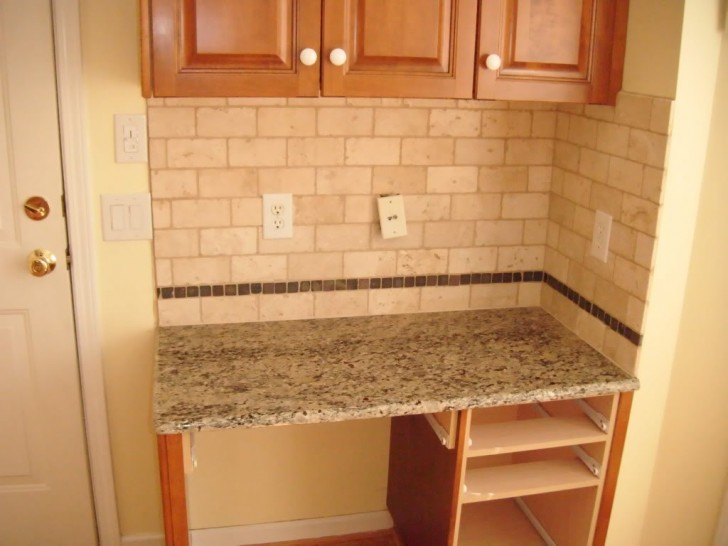 Kitchen Appliances , 7 Gorgeous Subway Tile Backsplash Ideas : Tile Backsplash
