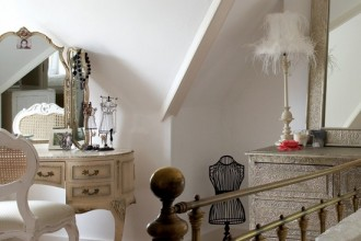 550x550px 9 Charming Boudoir Bedroom Ideas Picture in Bedroom