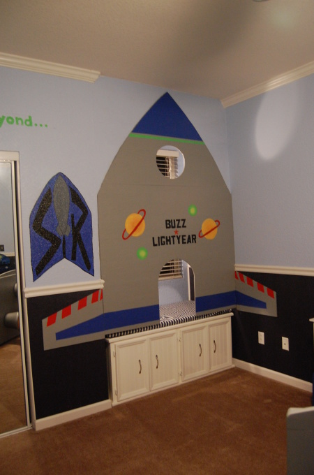 Bedroom , 8 Cute Buzz Lightyear Bedroom Ideas : Buzz Lightyear Bedroom