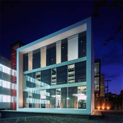 Modern small office 9 cool modern office building design for Small commercial building plans