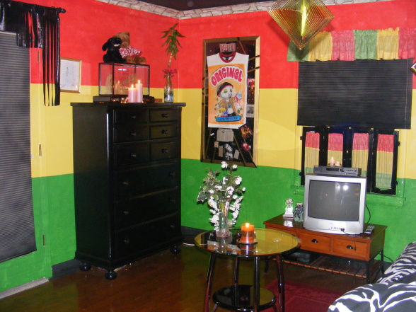 Living room design 8 nice rasta bedroom ideas for Living room designs in jamaica