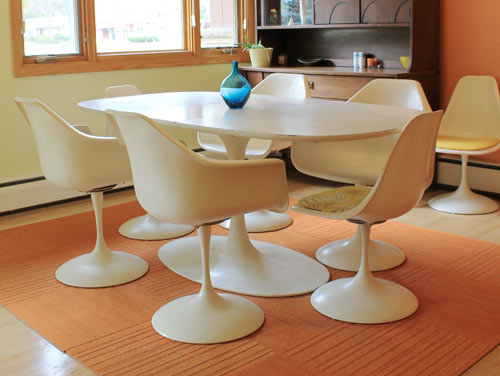 Furniture , 7 Nice Saarinen Dining Table Knock Off : Saarinen tulip tables
