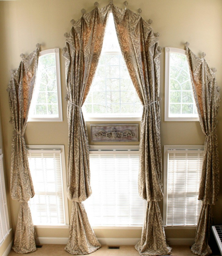 Living Room , 8 Hottest Curtain Ideas For Arched Windows :  window blinds