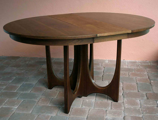 Furniture , 8 Gorgeous Broyhill Round Dining Table : Broyhill Brasilia Round Dining Table