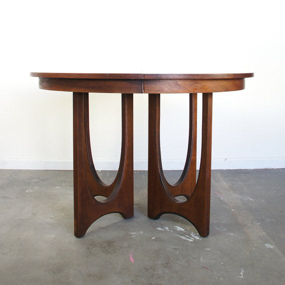 Furniture , 8 Gorgeous Broyhill Round Dining Table : Mid Century Dining Table