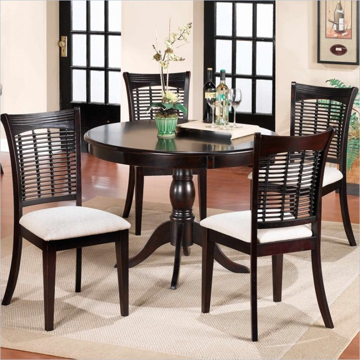 Dining Room , 8 Amazing Round Pedestal Dining Table Set : Pedestal Round Dining Table