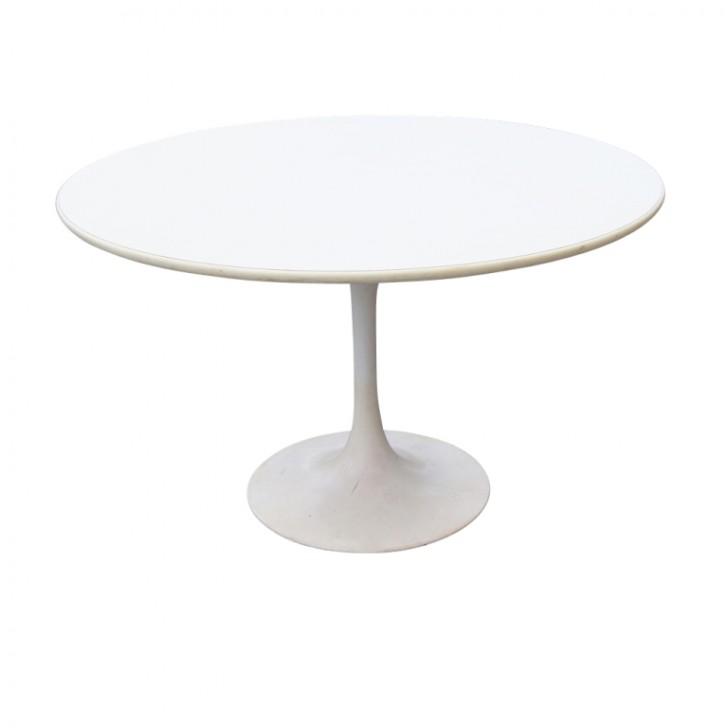 Furniture , 8 Gorgeous Saarinen Style Dining Table : Tulip Dining Set Table
