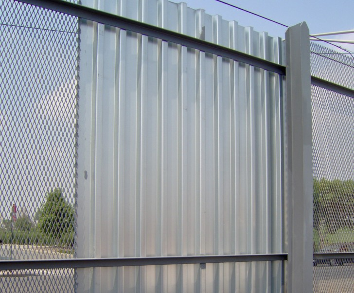 Others , 7 Unique Corrugated Metal Fence : Corrugated Fence