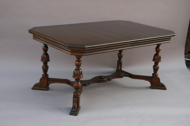 Furniture , 4 Top Expandable Dining Room Table : Expandable Mahogany Dining Room Table