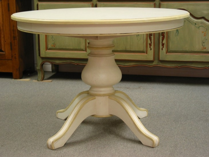 Furniture , 4 Top Round Expandable Dining Room Table : Round Dining Room Tables