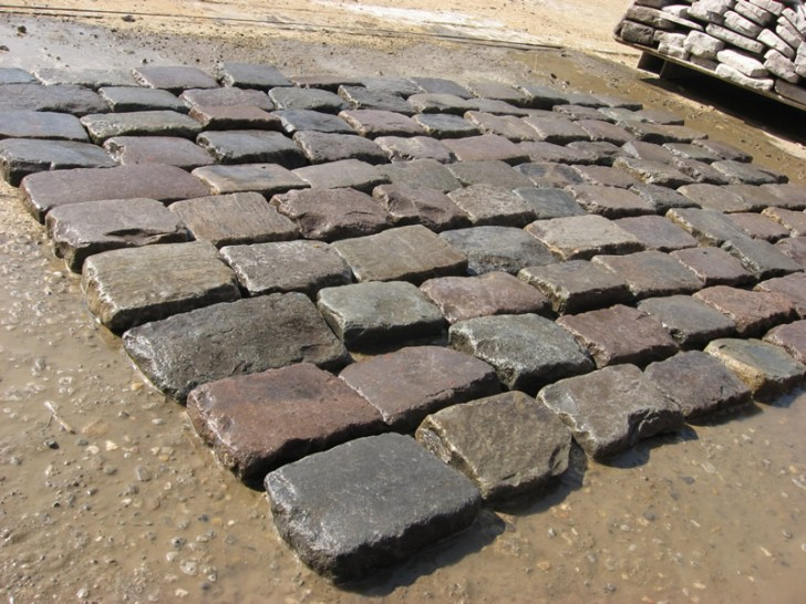 Others , 7 Stunning Cobblestone Pavers : Antique cobblestone