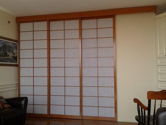 Sliding room divider shoji screens 8 fabulous sliding room divider - Hanging sliding room divider ...