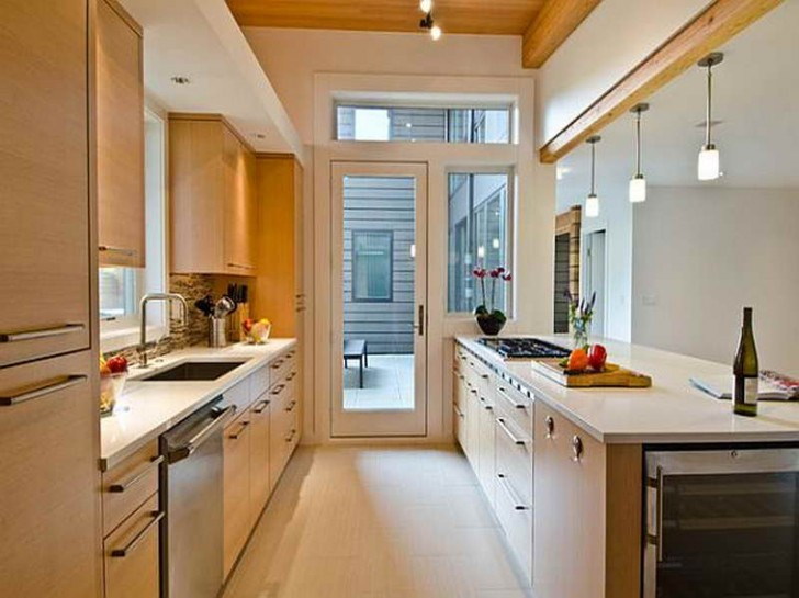 Kitchen , 7 Charming Galley Kitchen Remodel Ideas : Small Galley Kitchens
