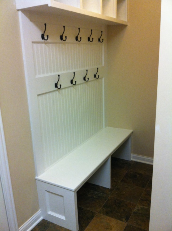 Kitchen Appliances , 7 Stunning Mudroom Benches : The finished bench