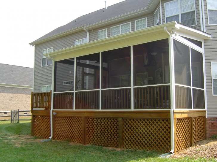 Homes , 8 Stunning Screened Porch Ideas : Vinyl Siding