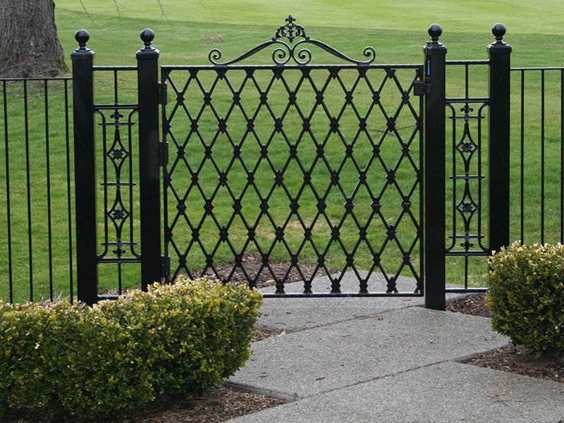 800x600px 6 Charming Rod Iron Fence Picture in Others