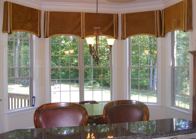 Interior Design , 6 Stunning Valances For Bay Windows : traditional dining room