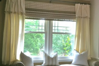 888x814px 8 Charming Bay Window Curtain Ideas Picture in Interior Design