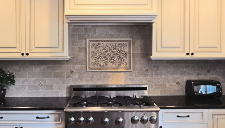 Kitchen , 7 Cool Backsplash Medallions : Backsplash Medallions