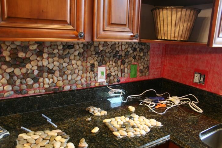 Kitchen , 5 Popular Pebble Backsplash : Garden Stone Kitchen