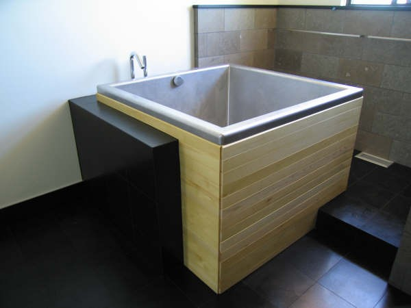 Bathroom , 7 Awesome Japanese Soaking Tub : Japanese Soaking Tub