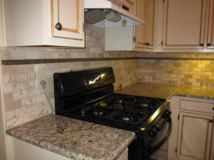 Kitchen , 7 Superb Tumbled Stone Backsplash : Tumbled stone subway backsplash
