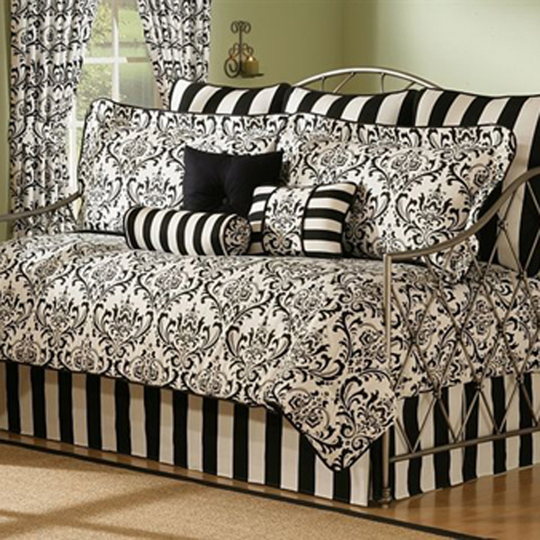 Bedroom , 7 Nice Daybed Bedding : daybed bedding sets black