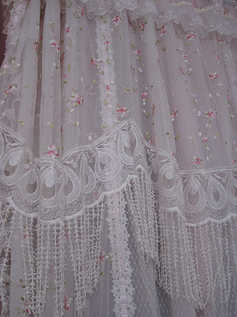 Others , 6 Charming Victorian Lace Curtains : victorian lace curtains