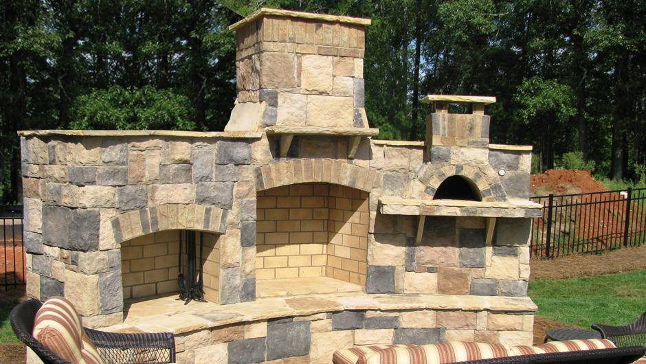 940x530px 8 Hottest Outdoor Fireplace With Pizza Oven Picture in Homes