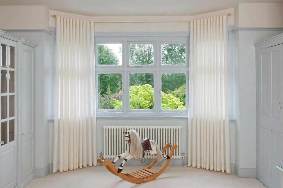 Bay Window With Voile Curtains 11 Unique Bay Window