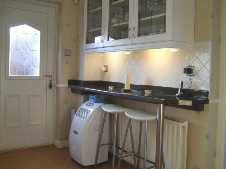 Kitchen , 10 Amazing Kitchen Breakfast Bar Designs : Breakfast bar