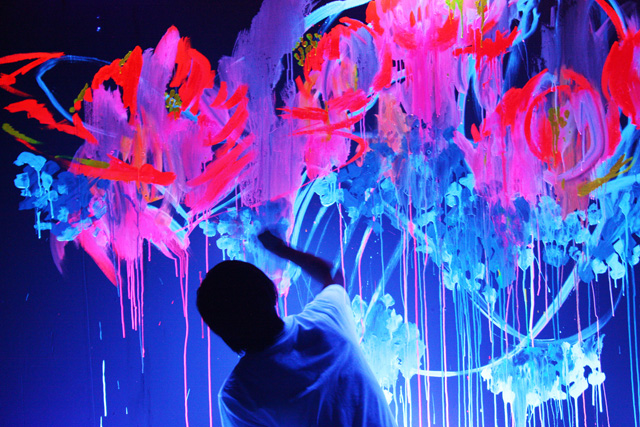640x427px 8 Good Neon Wall Paint Picture in Interior Design