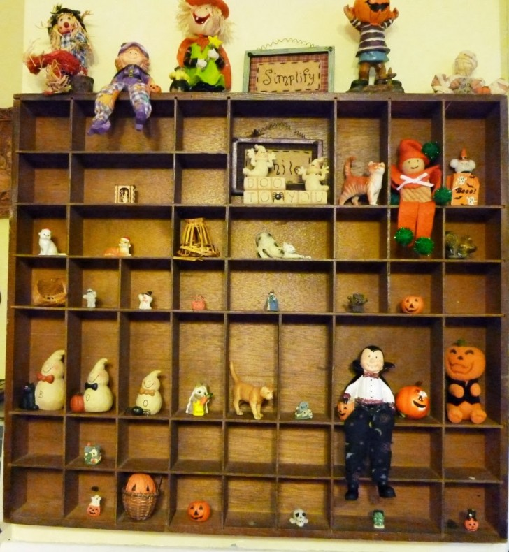 Furniture 7 Awesome Knick Knack Display Case Rack Changes Decor