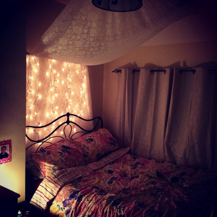 Bedroom , 9 Stunning Fairy Lights For Bedrooms :  fairy lights for kids rooms