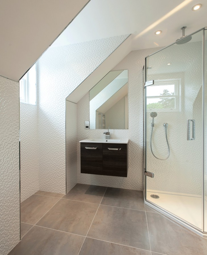 Bathroom , Breathtaking  Contemporary Wall Mount Sinks For Small Bathrooms Image : Beautiful  Contemporary Wall Mount Sinks for Small Bathrooms Picute