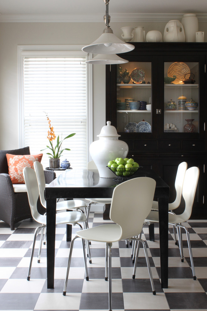 Dining Room , Gorgeous  Traditional Black Table Chairs Photo Inspirations : Beautiful  Traditional Black Table Chairs Ideas