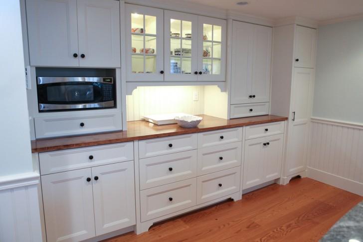 Kitchen , Wonderful  Traditional Kitchen Display Cabinets Image : Beautiful  Traditional Kitchen Display Cabinets Photo Inspirations