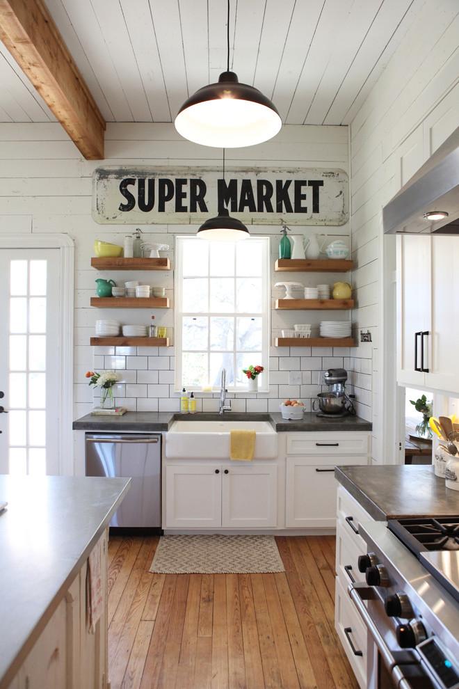 Kitchen , Lovely  Farmhouse Small Kitchen Shelves Ideas : Charming  Farmhouse Small Kitchen Shelves Image Ideas