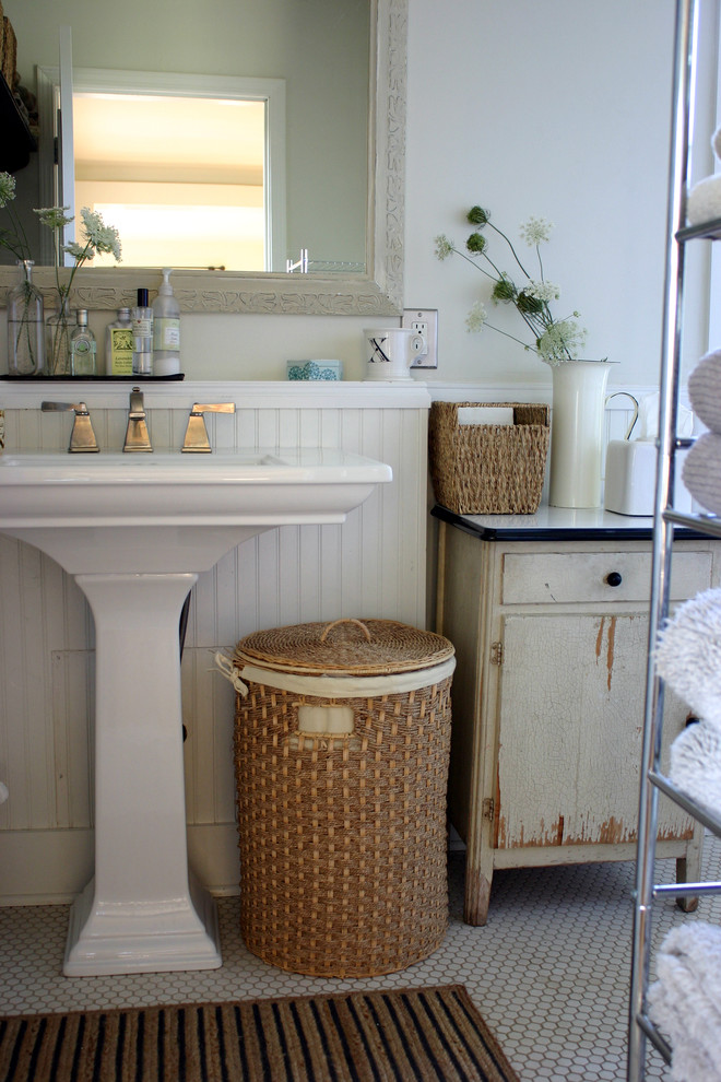 Bathroom , Gorgeous  Farmhouse Small Sinks And Vanities For Small Bathrooms Image Inspiration : Cool  Farmhouse Small Sinks and Vanities for Small Bathrooms Picute