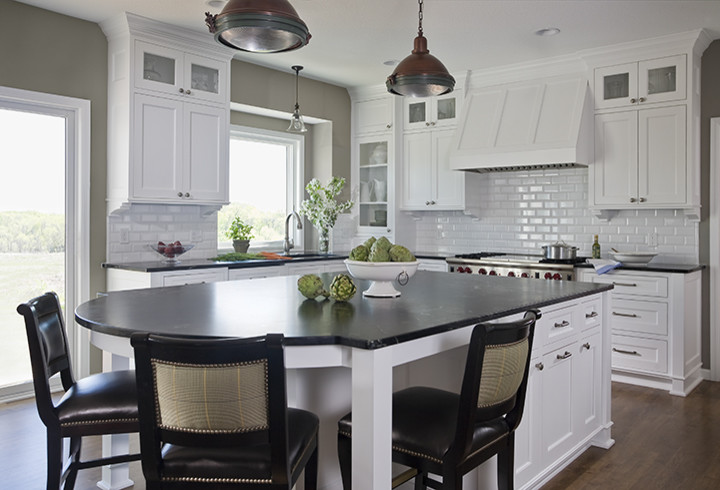 720x490px Lovely  Traditional Black Impala Granite Countertops Image Ideas Picture in Kitchen