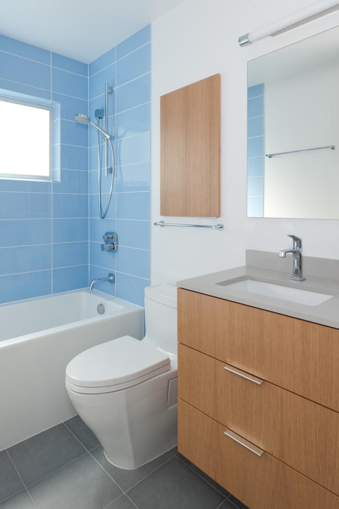 Bathroom , Stunning  Modern Vanity Sinks For Small Bathrooms Image : Gorgeous  Modern Vanity Sinks for Small Bathrooms Photo Ideas