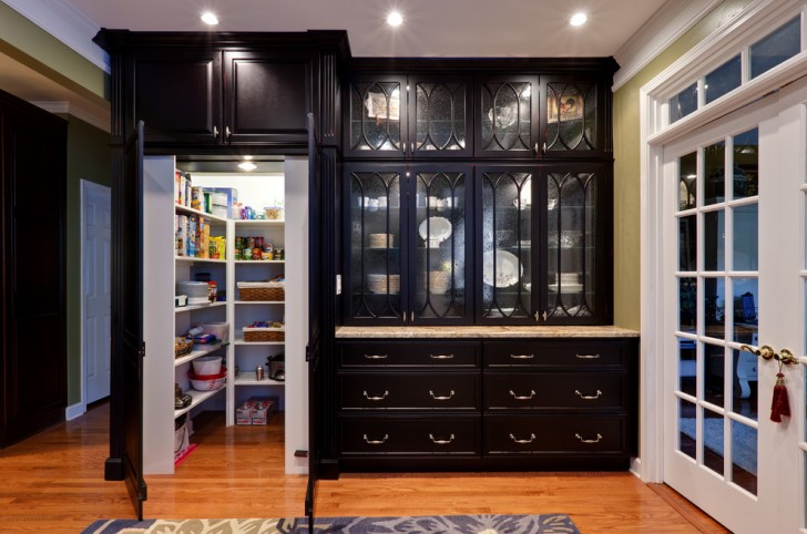 Kitchen , Stunning  Traditional Kitchen Cabinet Pantries Image Inspiration : Gorgeous  Traditional Kitchen Cabinet Pantries Image Inspiration
