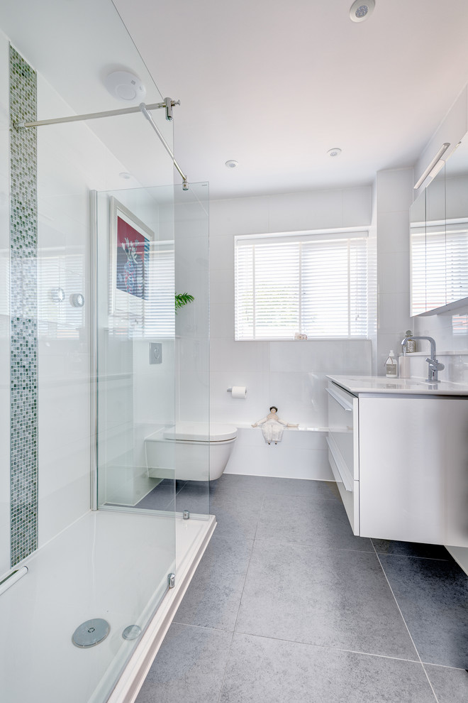 Bathroom , Wonderful  Contemporary Floating Vanities For Small Bathrooms Inspiration : Lovely  Contemporary Floating Vanities for Small Bathrooms Photos